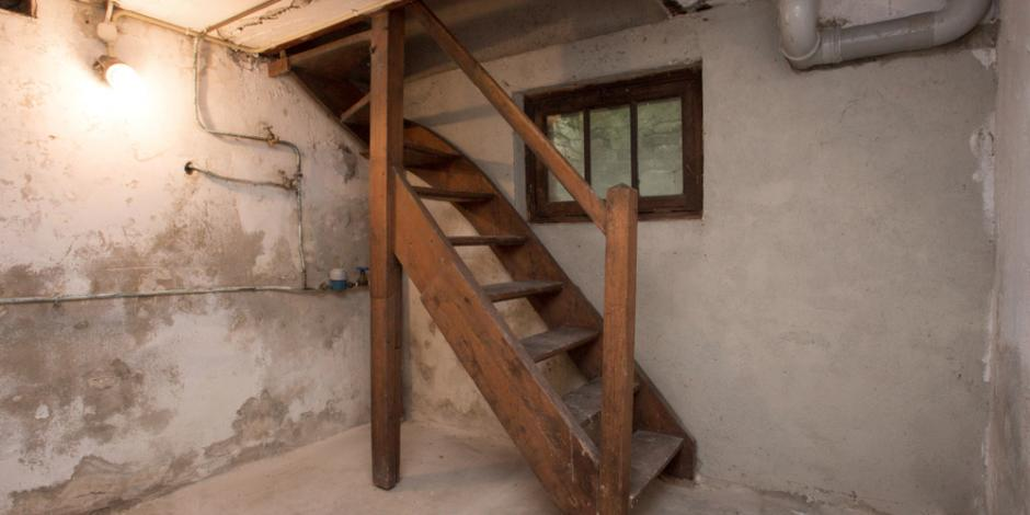 unfinished crawlspace basement of house